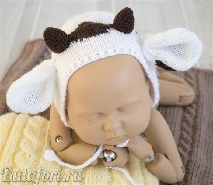Вязаная шапочка Белый бычок для фотосессии