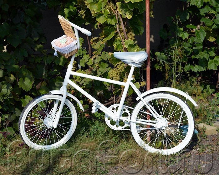 Свадебный велосипед для фотосессии