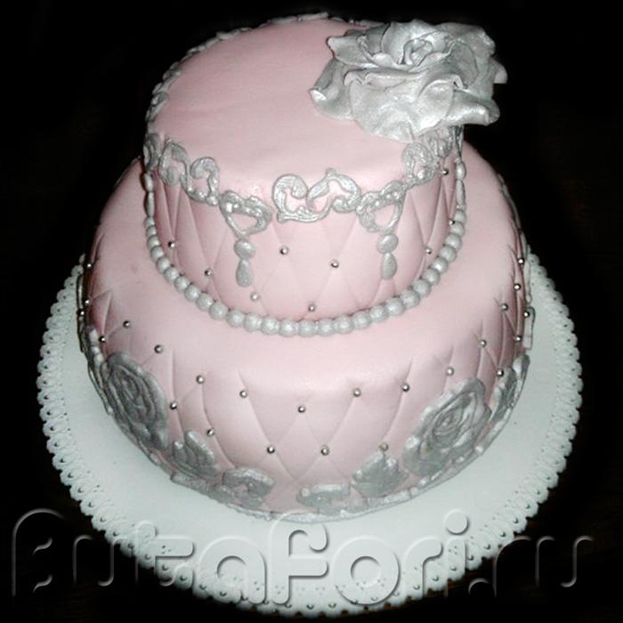 Элегантный свадебный торт