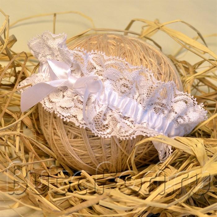 Белая повязка для новорожденного