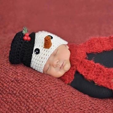 Шапочка Снеговика для фотосессии малыша