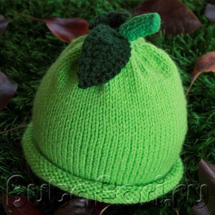 Вязаная шапочка Яблочко для новорожденного