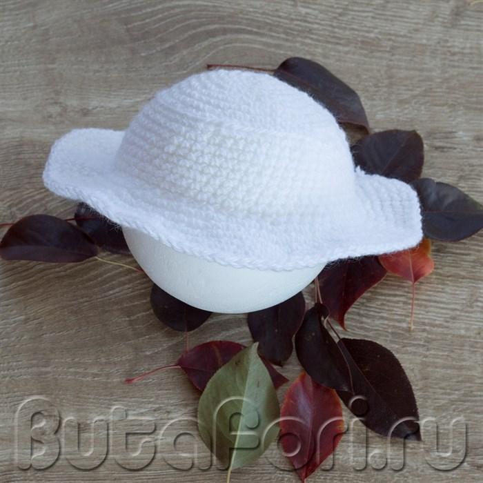 Белая шляпа садовника