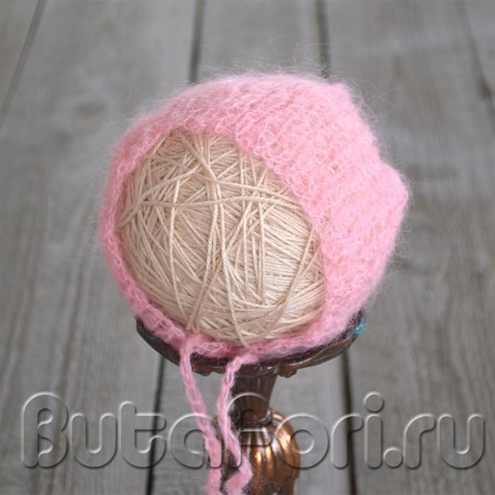 Розовый чепчик для девочки