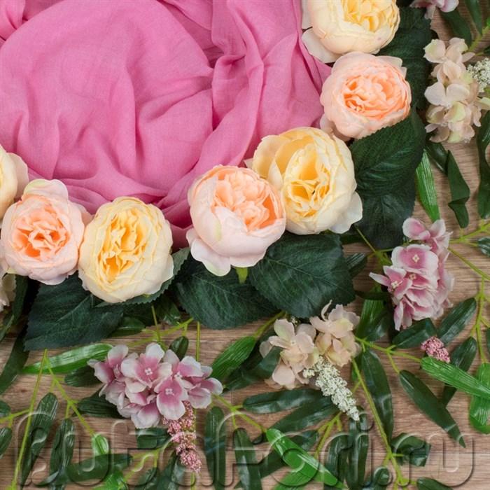 Гнездо для новорожденных украшенное цветами