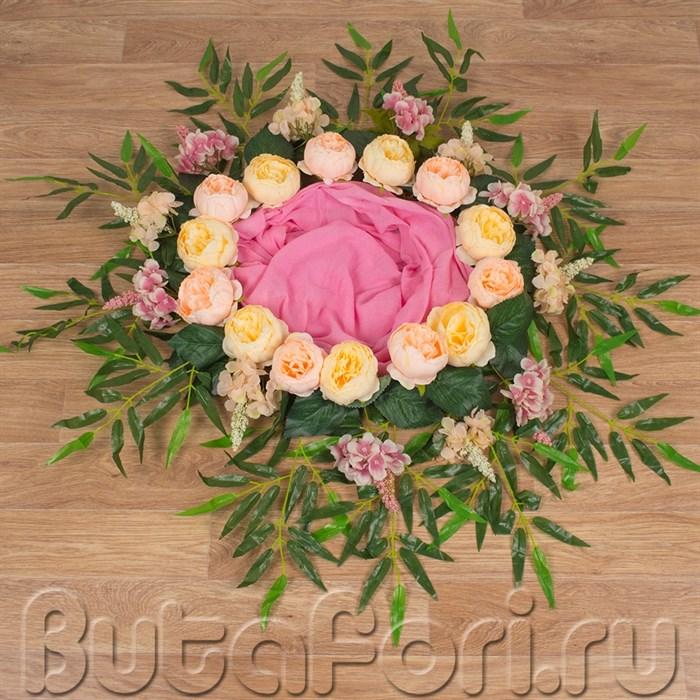 Гнездо для фотосессии с декором из цветов