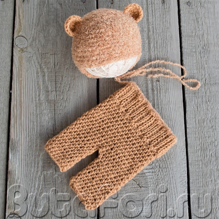Вязаный костюм медвежонка