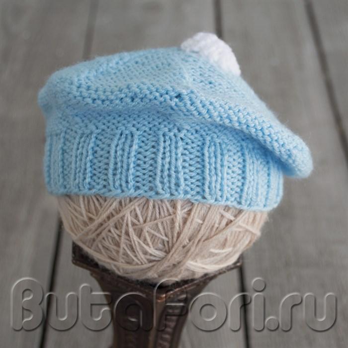 Голубой беретик для новорожденного