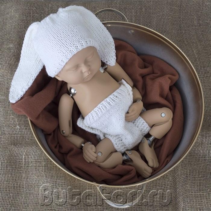 Вязаный костюмчик белого зайчика для фотосессии новорожденного