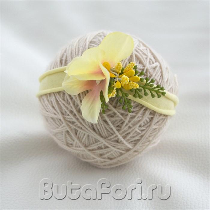 Весенняя повязочка для новорожденной