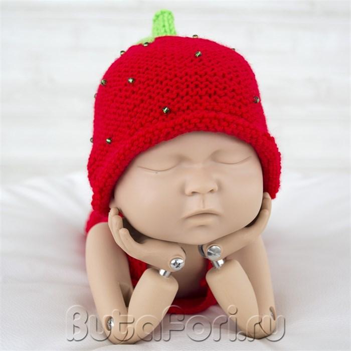 Вязаная шапочка Клубничка для фотосессии новорожденного