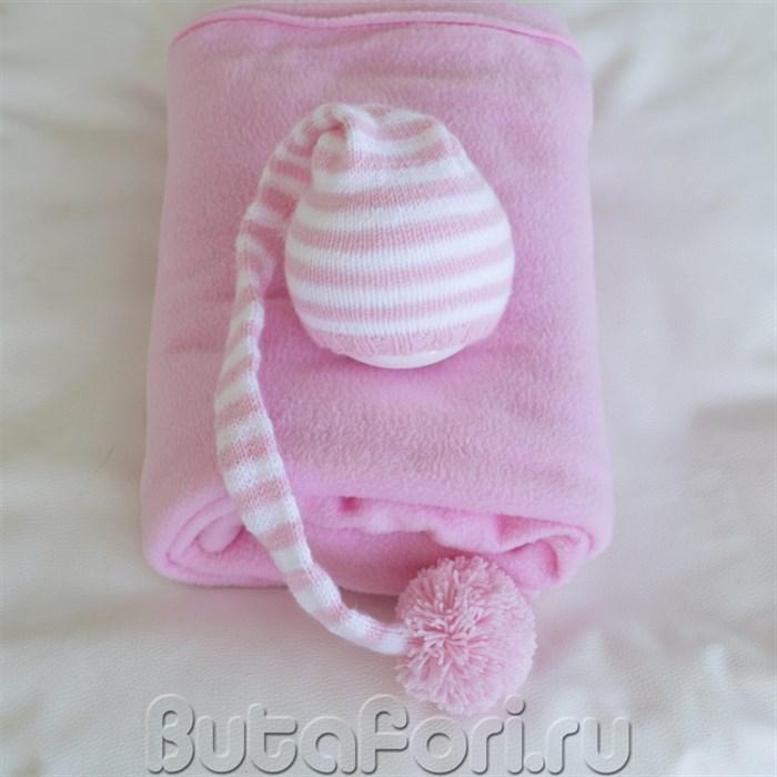 Розовый фон и колпак для фотосессии новорожденной