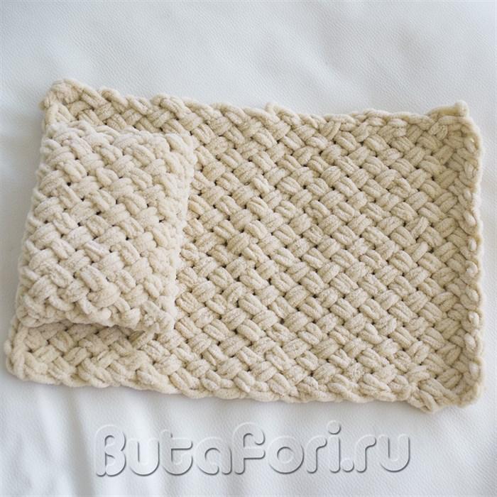 Пледик с подушечкой оригинальной вязки