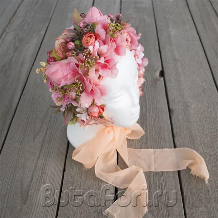 Нежная цветочная шапочка