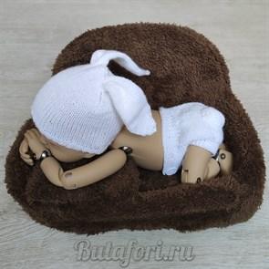 Вязаный костюмчик зайки для новорожденного
