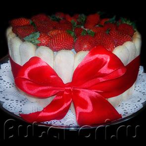 Торт со свежей клубникой