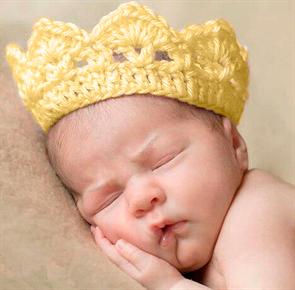Корона вязаная для новорожденного