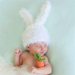 Вязаная шапочка кролик для съемки младенца