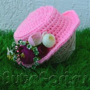 Модная розовая шляпка для девочки