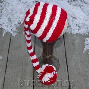 Вязаный красно-белый колпачок