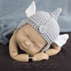 Вязаный шлем Валькирии для новорожденного