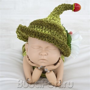 Вязаная шапочка Эльфа Клубничка