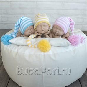 Вязаные полосатые колпачки для новорожденных