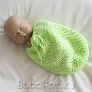 Зеленый вязаный кокон для новорожденного