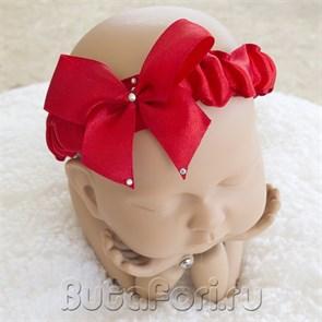 Повязочка на голову новорожденному Красный бантик
