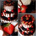 Трёхъярусный торт украшенный шоколадом и ягодами